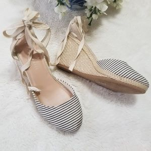KELLY & KATIE Hanah Wedges Sandals Size 9.5